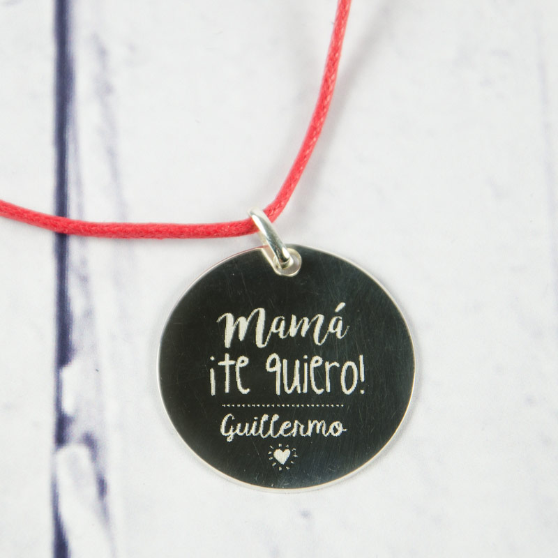 13b57e47d74a Regalos personalizados Joyas personalizadas  Colgante de plata grabado Mamá  ¡Te quiero!