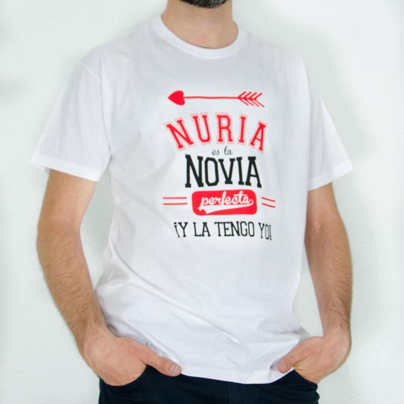026c9421bbd51 Regalos personalizados Regalos con nombre  Camiseta Novia Perfecta  personalizada